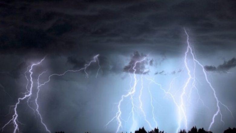 Shkencëtarët: Atmosfera po bëhet më e elektrizuar, gjithnjë ka më shumë stuhi dhe rrufe