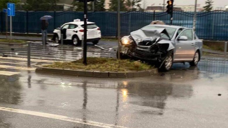 Aksident i rëndë në Prishtinë, lëndohen dy persona