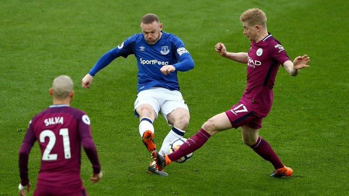 Rooney nuk kursen lëvdatat për De Bruyne: Është një nga tre lojtarët më të mirë në botë