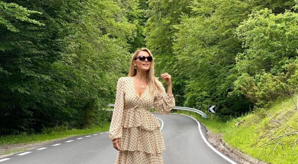 Këngëtarja kosovare infektohet me koronavirus