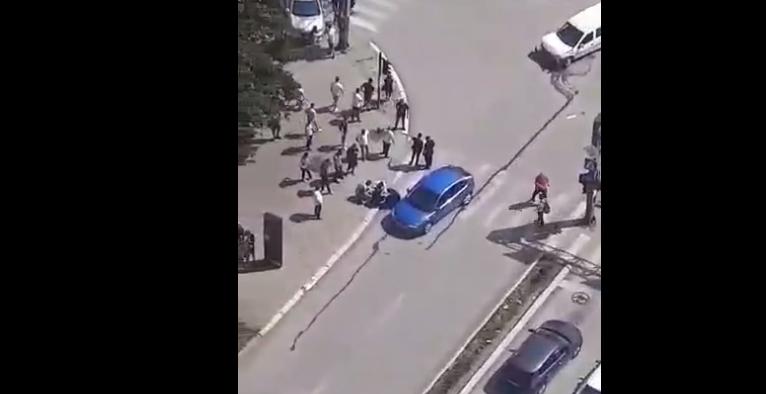 Aksident afër Katedrales, lëndohet rëndë një person