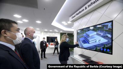 Serbia zgjeron bashkëpunimin me Huawein pavarësisht marrëveshjes së Uashingtonit