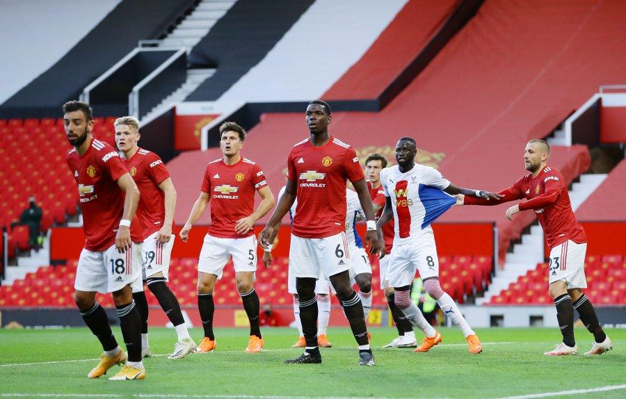 Unitedi nis me humbje në shtëpi sezonin e ri në Premier League