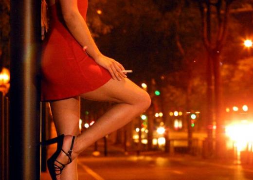 """Prostitutat shiten deri në 10 mijë euro/ Ky është shqiptari që qëlloi me armë një nga """"kapot"""" e prostitucionit pasi partneres së tij…"""