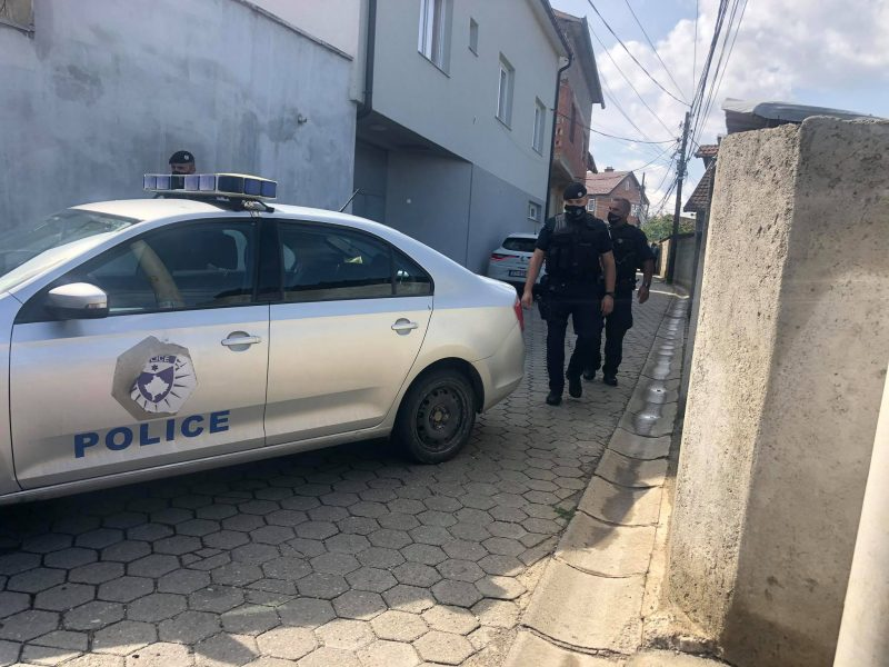 Arrestohet vëllai i 32-vjeçarit që u vra mbrëmë në Prizren, dyshohet se bëri thirrje për hakmarrje ndaj policisë