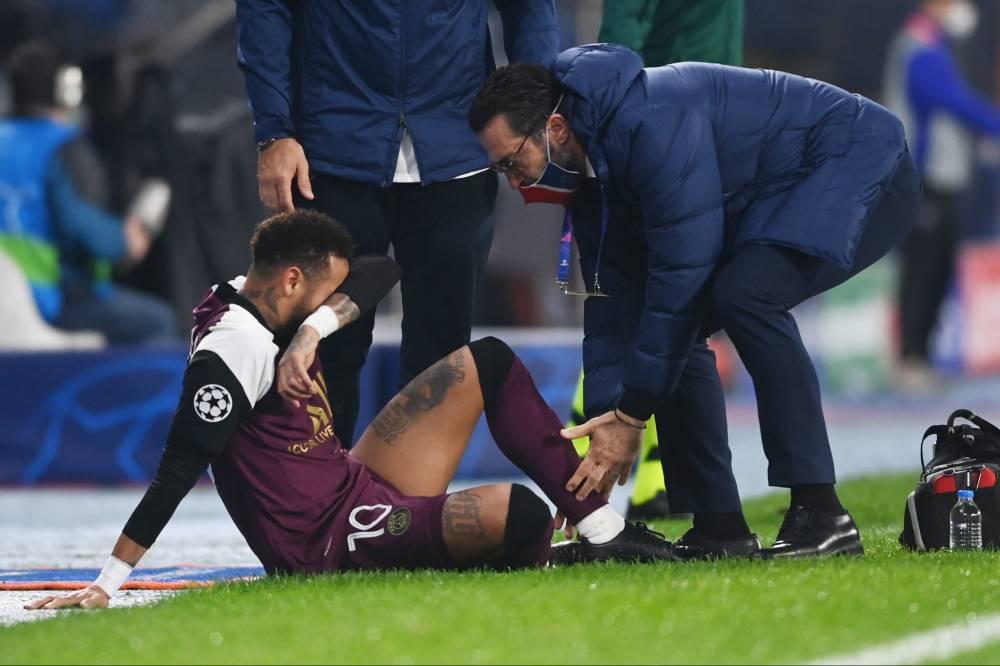 Neymar i pafat, lëndohet përsëri dhe braktisë sfidën mes Basaksehir dhe PSG
