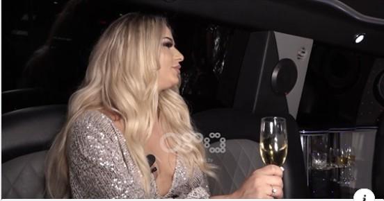 """'Drejtori i kompanisë më kërkoi të shkoja në Dubai'"""" Këngëtarja nga Kosova flet për ngacmimet seksuale të sponsorve"""