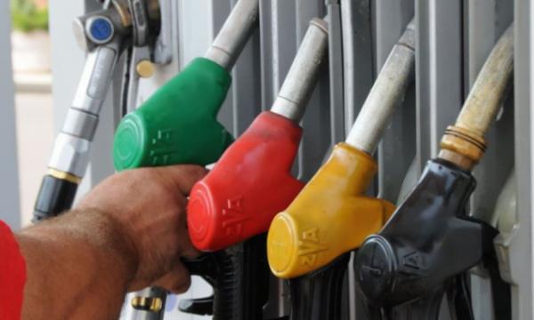 Punëtori i pompës së derivateve tregon se si përzihet nafta me vajra në Kosovë