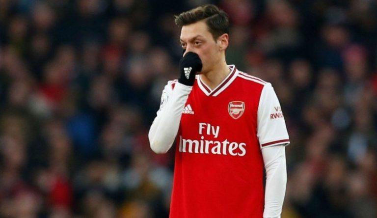 """""""5 lojtarë të Arsenalit më thanë se Ozil është në mesin e më të mirëve, ata nuk e kuptojnë vendimin e Artetas"""""""
