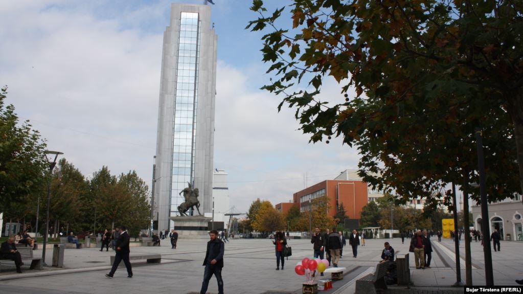 Bordet e ndërmarrjeve publike në Kosovë, të 'rezervuara' për burra