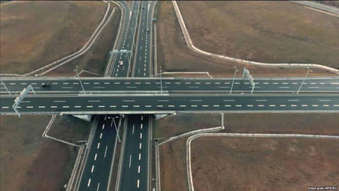 Arsyet se pse autostradat e Kosovës janë pa pagesë