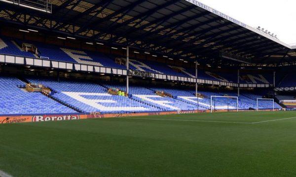 Lojtari i Evertonit dyshohet për ngacmim të vajzave të mitura