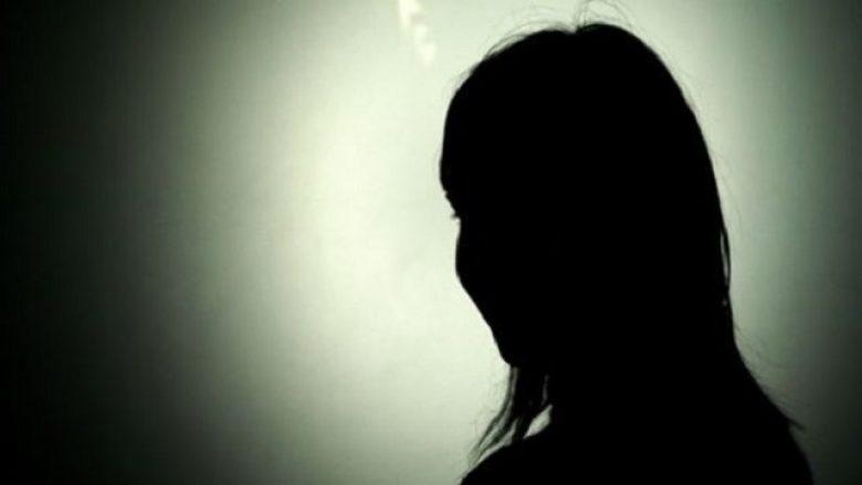 Babai përfundon në burg pasi vajza e lajmëroi në polici