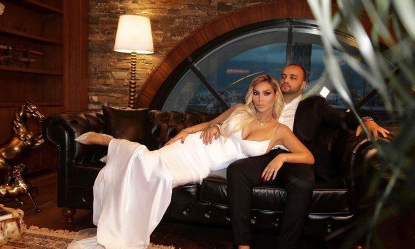 Fjolla Morina poston foton intime me biznesmenin 11 vjet më të ri: Kjo është ajo që dua të bëj me ty
