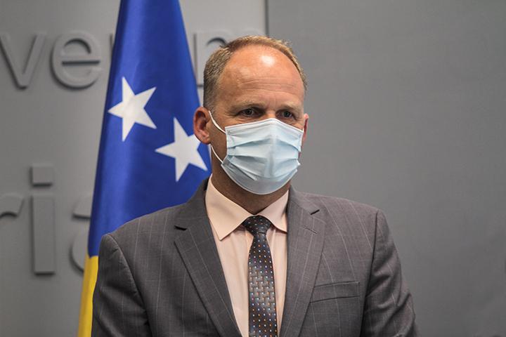 Krasniqi: Vaksinat që aplikohen në Kosovë janë të sigurta dhe efikase, vaksinohuni