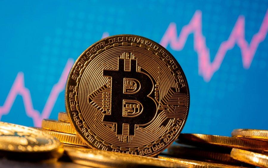 Bitcoin thyen edhe një rekord tjetër