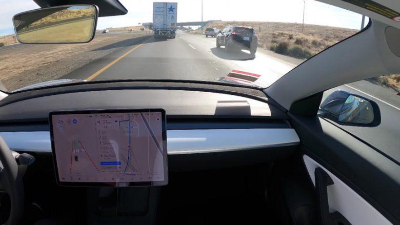 """""""Vetë-vozitje e plotë"""" – Tesla shkon nga San Francisco në Los Angeles"""