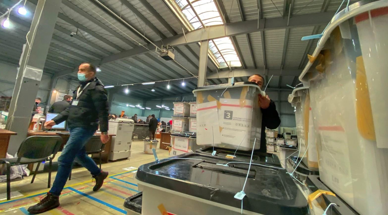 Votat e diasporës: Nga mbi 38 mijë fletëvotimet e verifikuara, 30 për qind janë refuzuar