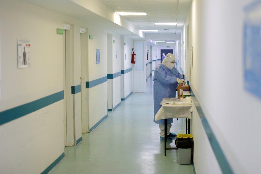 Shqipëri, 7 të vdekur dhe 820 raste të reja me coronavirus