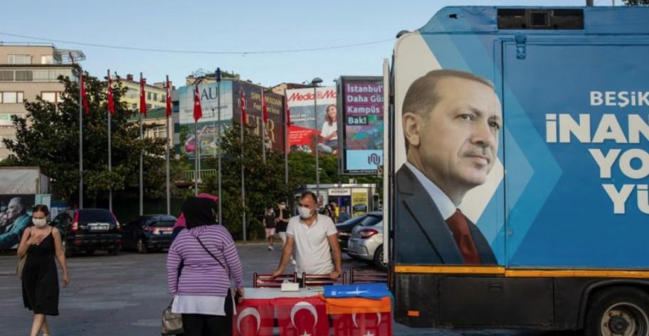 TIME: Si pushteti i gabuar i Erdogan në Turqi rrezikon botën