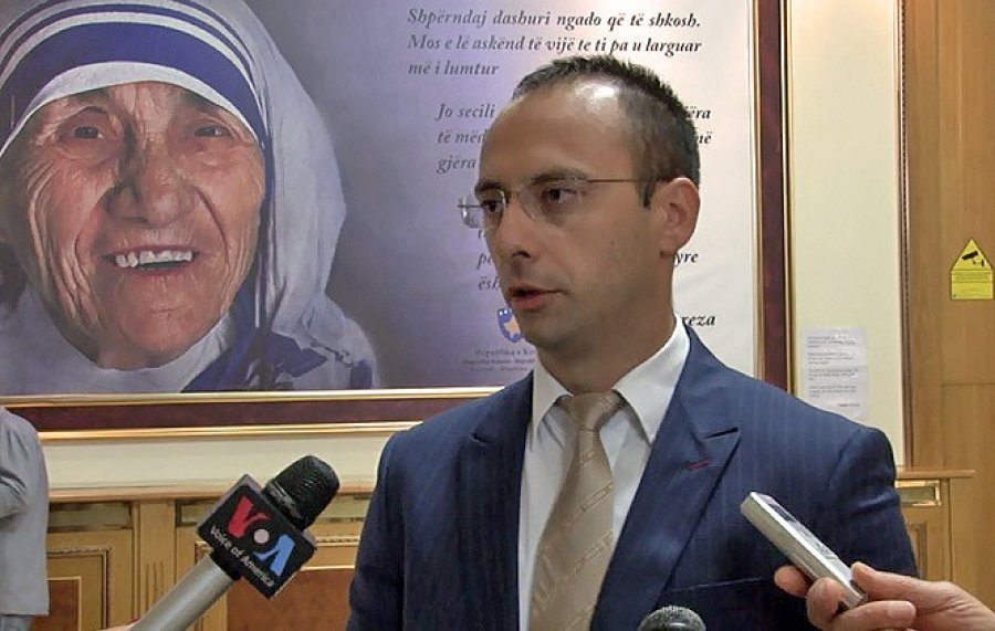 Deklarata e Kurtit po çmend serbët, reagon edhe Igor Simiq