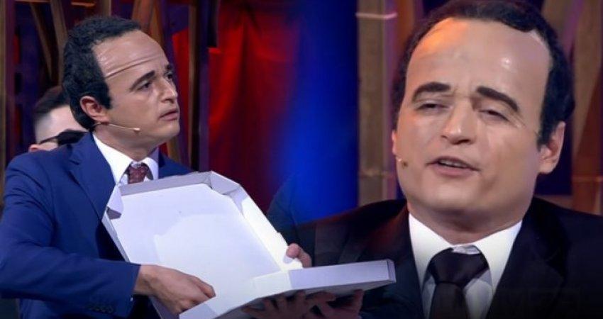 Identik sikurse Albin Kurti, aktori i Portokallisë me interpretim gjenial të kryeministrit kosovar