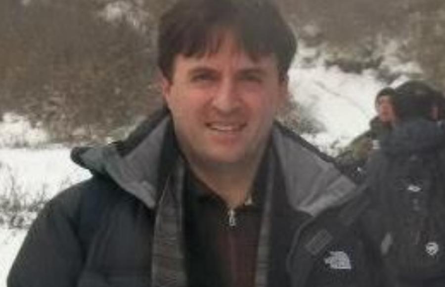 Vdes kirurgu i njohur oral, Hasan Salihu