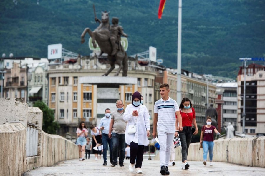 Koronavirusi nuk po e lëshon Maqedoninë, 14 të vdekur gjatë 24 orëve