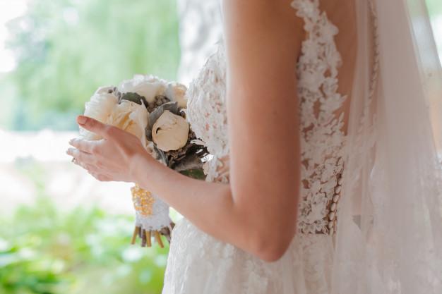 Në dasmën e djalit, nëna kuptoi që nusja ishte vajza e saj