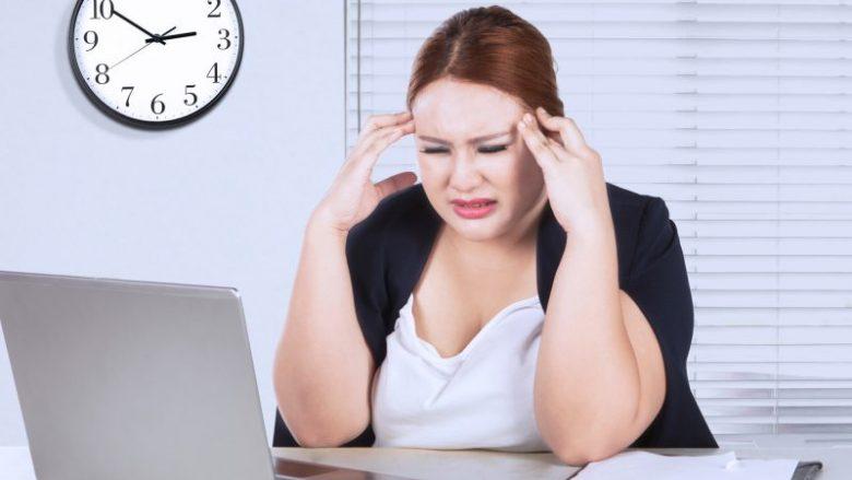 Studimi i fundit: Stresi mund t'ju 'dhurojë' më shumë kalori se dy hamburgerë
