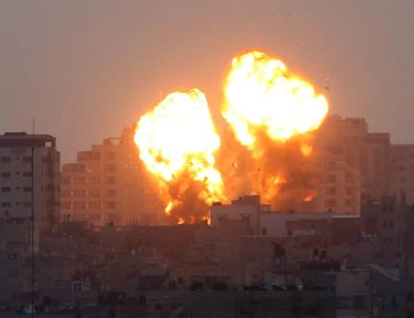 Eskalim dramatik i luftimeve: Militantët palestinezë shkrepën mbi 1 mijë raketa në drejtim të Izraelit