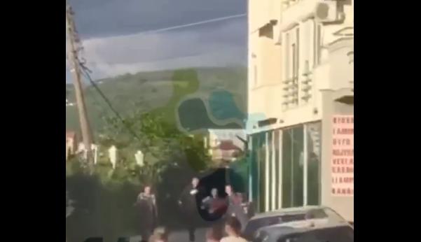 """""""Nuk ka pasur ngacmim"""", bashkëpronari i motelit jep versionin e tij se si erdhi deri te rrahja në Mitrovicë"""