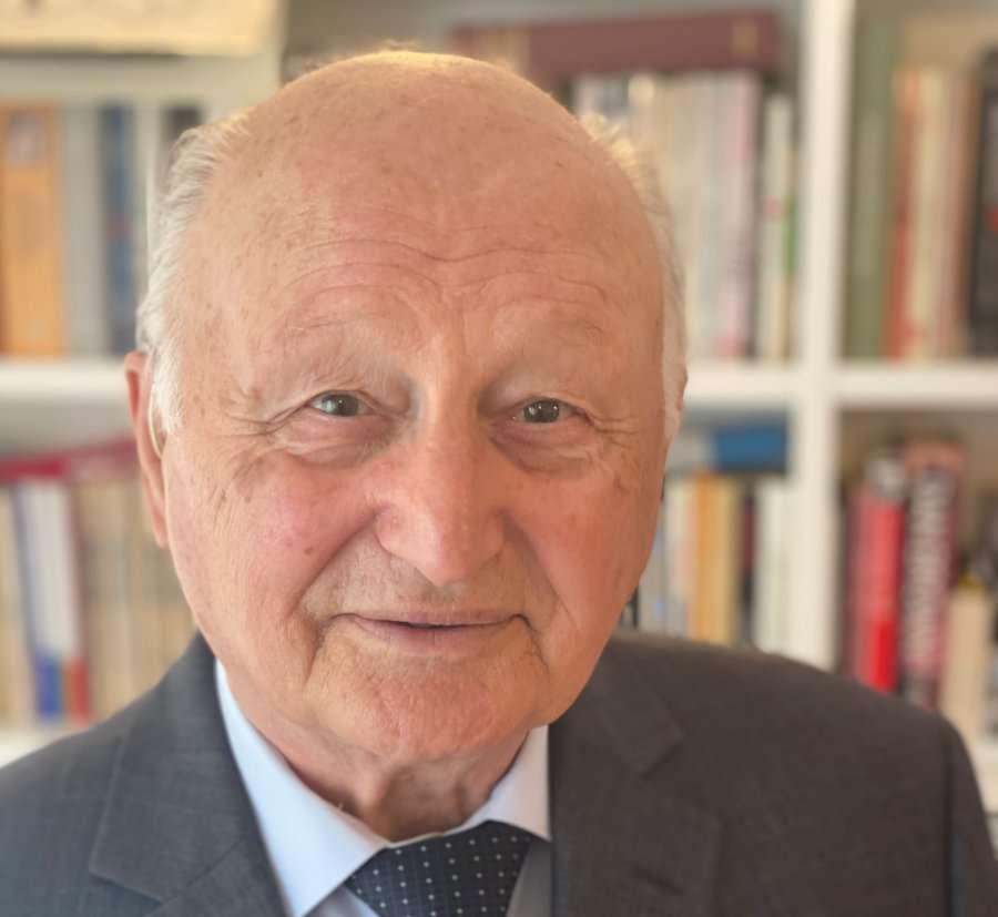 Vdiq kompozitori i shquar dhe ish-profesori universitar Fahri Beqiri