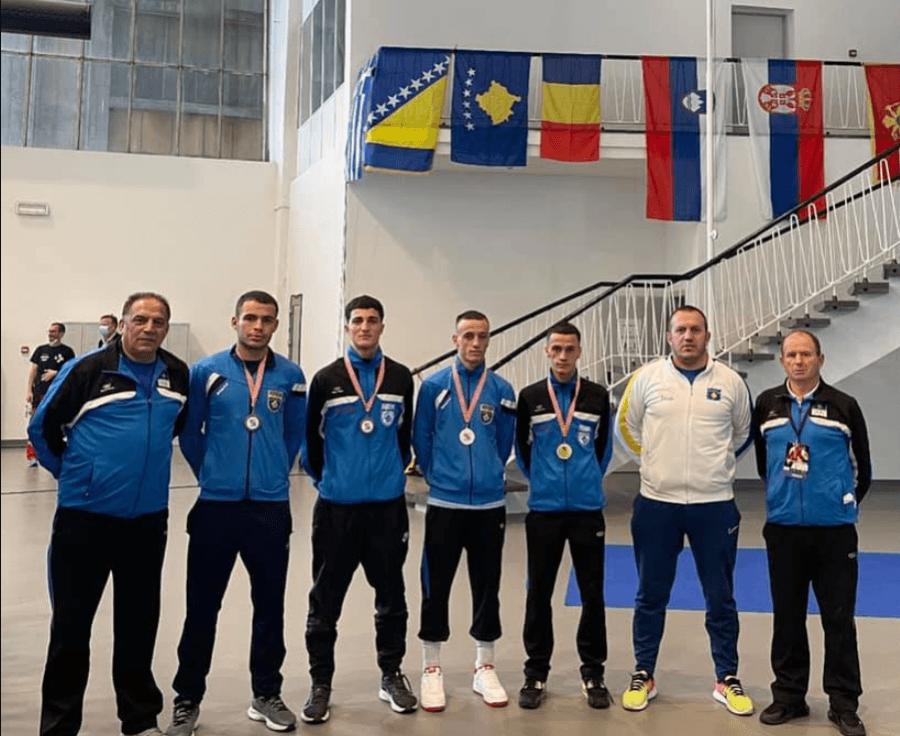 """Serbët reagojnë për pjesëmarrjen e Kosovës në Ballkanik, Kosova """"përgjigjet"""" me medalje të arta"""
