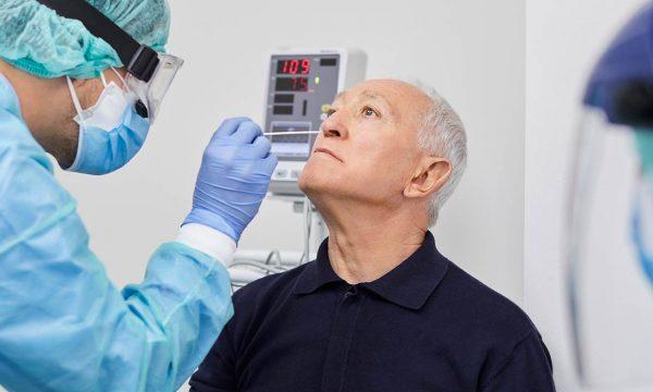 Mjekët gjermanë zbulojnë biomarkerin që identifikon praninë e koronavirusit