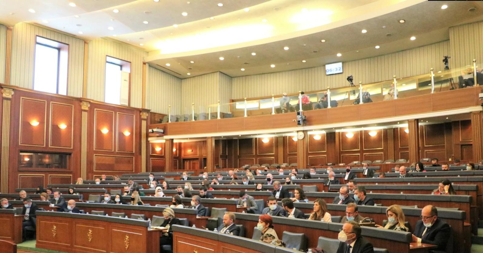 Përfundon debati për situatën ekonomike, votimi i rezolutës së PDK-së shtyhet për seancë tjetër
