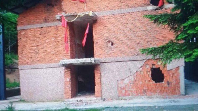 Policia e Kosovës dërgon foto nga Kosharja, s'ka flamur serb në kullën e vrojtimit