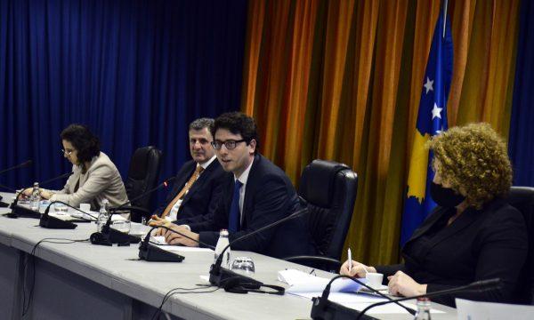 Ministri Murati takon bizneset: Jemi në proces të dizajnimit të pakos së rimëkëmbjes ekonomike