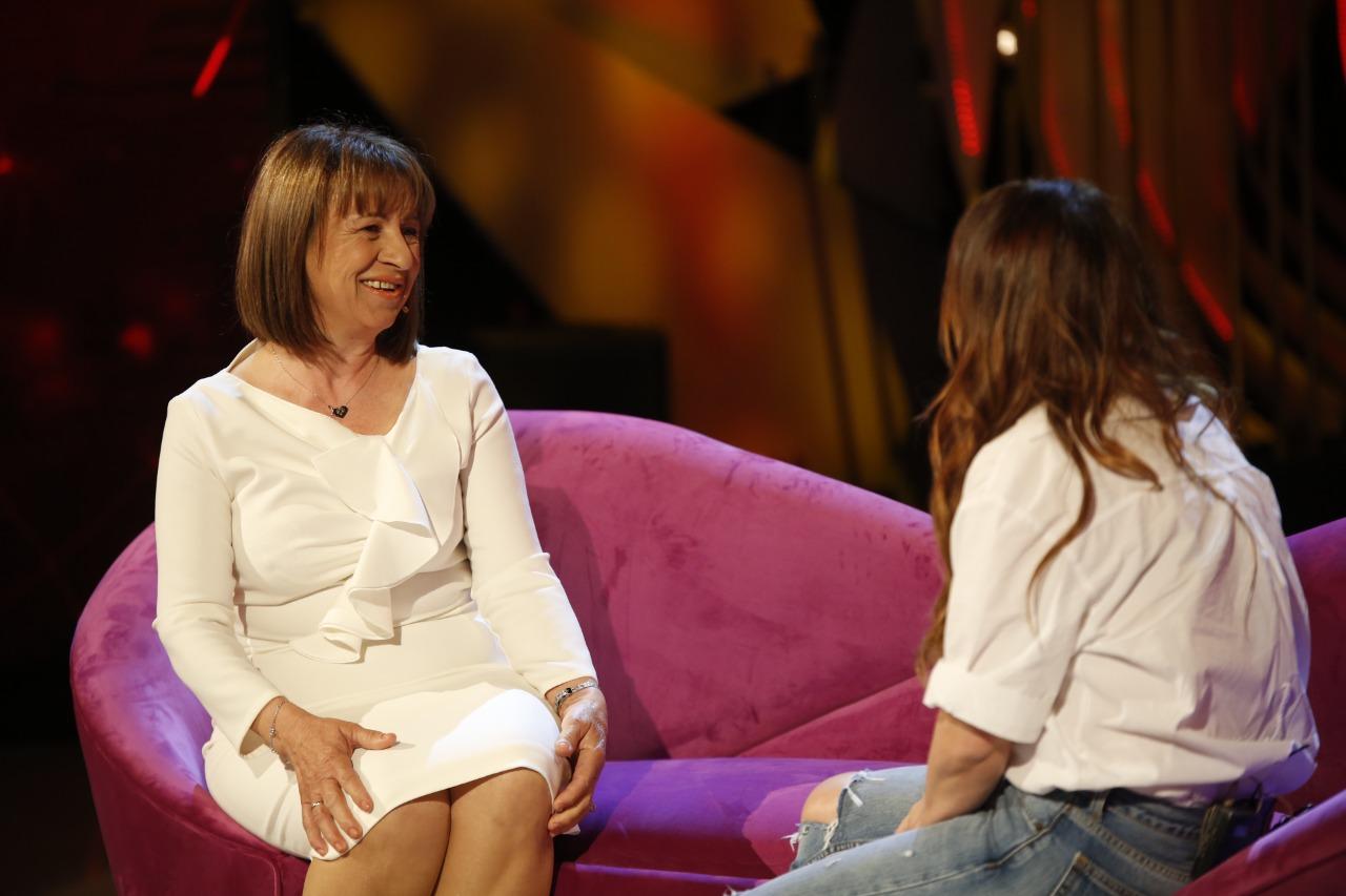 I besoi emisionin e saj të parë, Arbana Osmani ritakohet pas 30 vitesh me personin që ndikoi në karrierën e saj