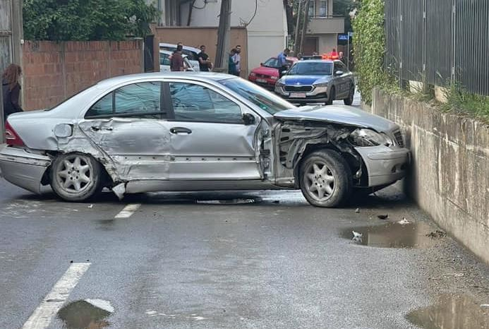 Tre persona të lënduar në aksidentin në qytetin e Prishtinës