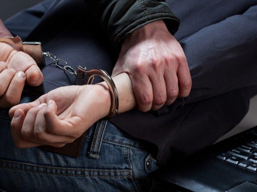 Policia në Pejë arreston një person pasi s'iu bind urdhërave