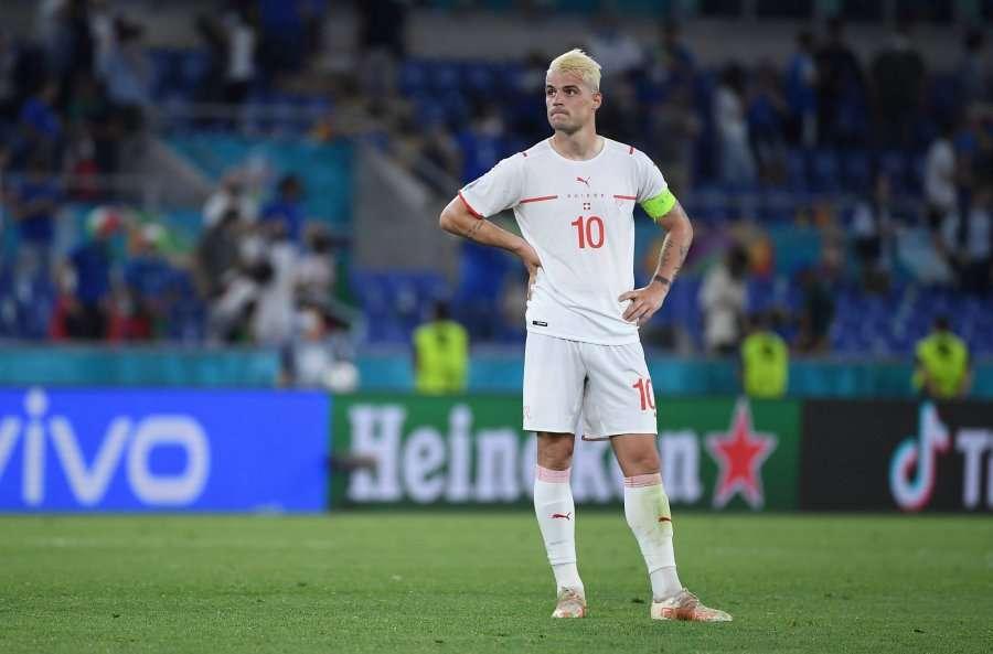 Xhaka i bën thirrje Arsenalit ta pranojë ofertën e Romës