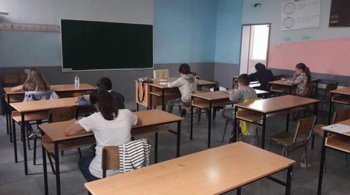 Refuzoi që fëmijët t'i dërgonte në shkollë, Prokuroria nis hetimet