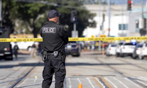 Të paktën 13 persona të plagosur nga të shtënat në Teksas