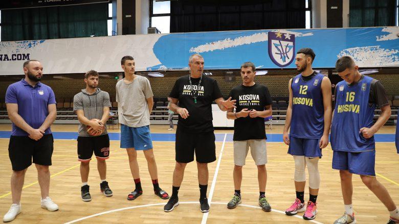 Trajneri i Kosovës U18, Maxhuni: Jam i kënaqur me atë që kanë dhënë basketbollistët në stërvitje