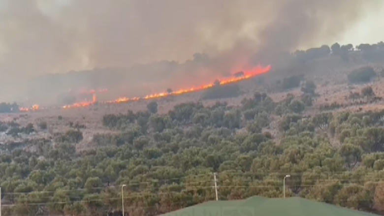Situata del jashtë kontrollit në Ksamil, vatra e zjarrit shumë pranë banesave