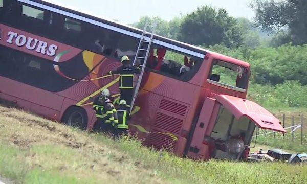 Numëri ku mund të kontaktojnë familjarët e pasagjerëve të autobusit që u aksidentua në Kroaci