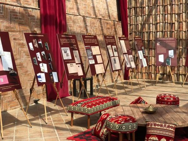 """""""Bëje ose Vdis"""", në Tiranë hapet ekspozita kushtuar Ukshin Hotit"""