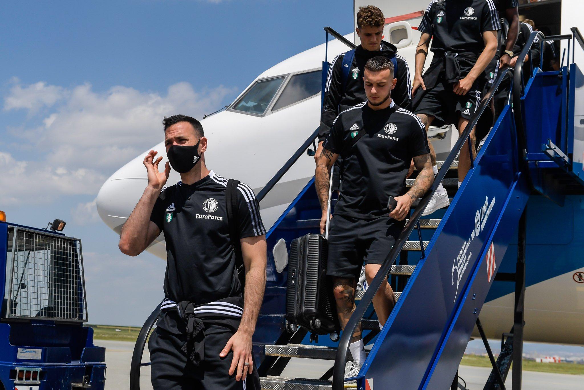 """Skuadra e Feyenoordit arrin në aeroportin """"Adem Jashari"""", nesër ndeshen me Dritën"""