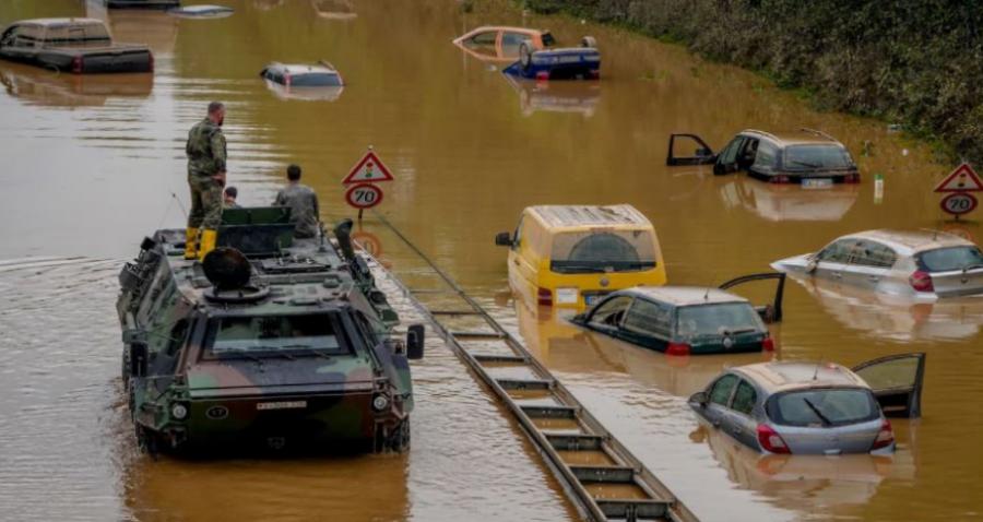 """Pamje dramatike nga Gjermania, si u fundosën disa lagje nga """"liqeni i ftohtë"""", shkon në 156 numri i viktimave"""